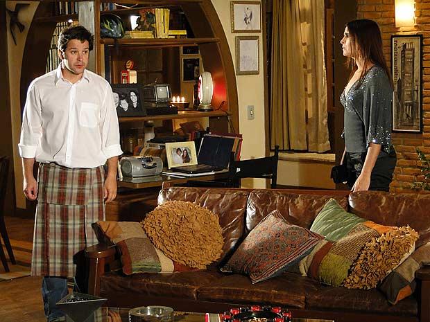 Ari fica maogado com as coisas que Help diz e pede para Suzana ir embora