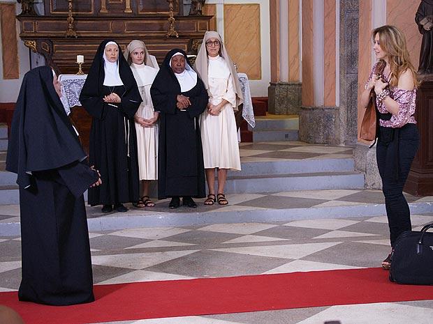 Jaqueline chega à Ordem das Pecadoras Redimidas e pede para ficar