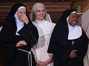 As freiras ficam espantadas como jeito dela
