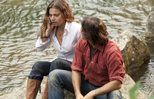 Manuela descobre do acidente de Vitor