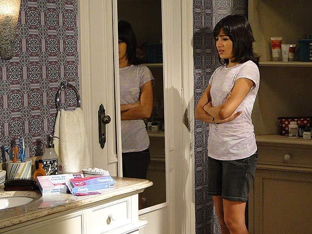 Gabi segue o conselho de Amanda e decide fazer um teste de gravidez