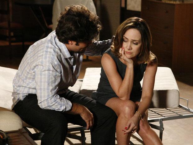 Com o desprezo, Jéssica se irrita e deixa Berilo sozinho