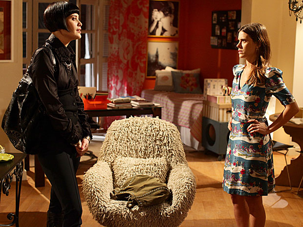 Melina teme que Diana use gravidez para se reaproximar de Mauro