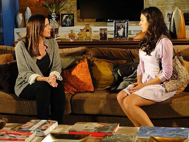 Marcela procura Suzana e pede para ela reassumir seu cargo na Moda Brasil