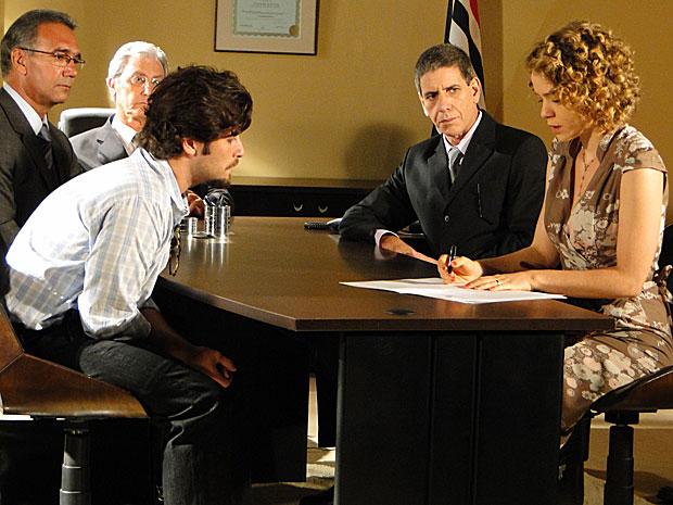 Agostina e Berilo se divorciam para valer