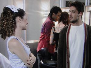 Jorgito deixa escapar para Yasmine onde e quando será o desfile de Valentim