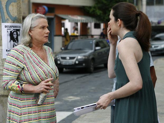 Felícia e Candê ficam arrasadas com a possibilidade de Kelly estar com Jonisval