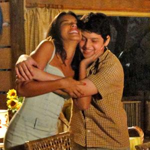 Bruno fica feliz com a tia