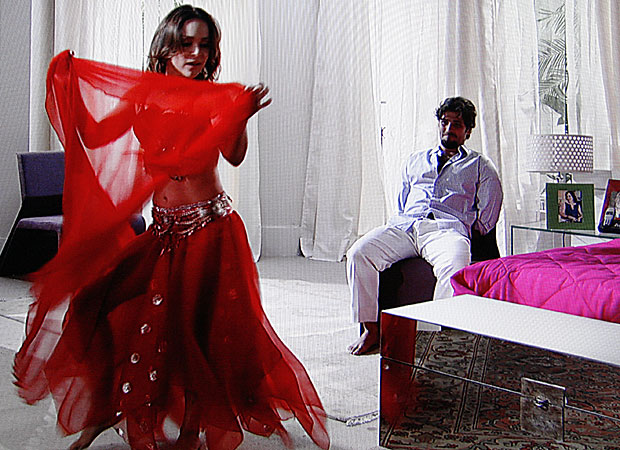 Jéssica dança para Berilo