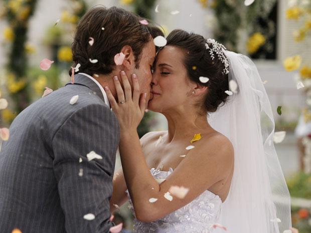 Fátima e Snval se casam