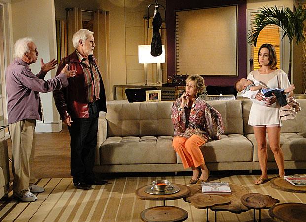 Jéssica decide morar com Berilo e levar Olavinho