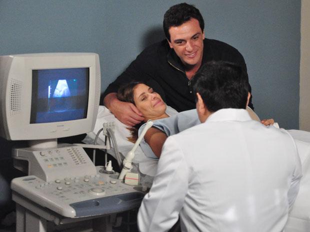 Diana faz ultrassonografia