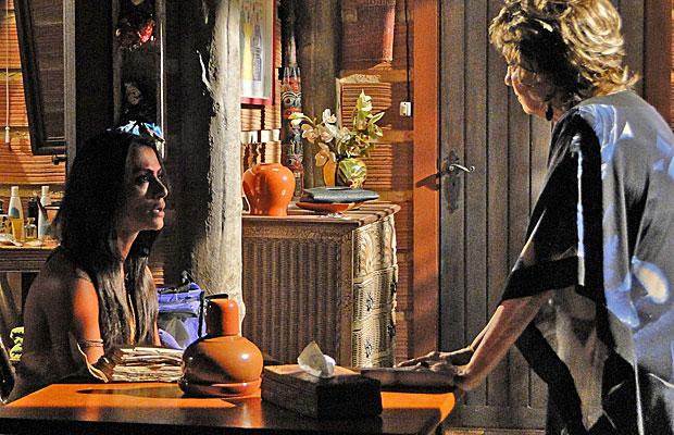 Estela quer que Beatriz convença Solano a sair do Araguaia