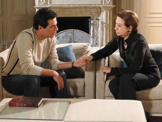 Bete e Mauro planejam como acabar com Fred