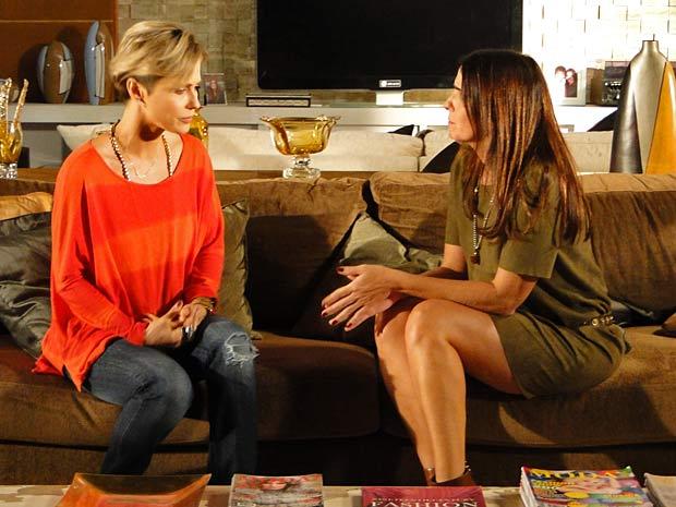 Luisa conta para Suzana sobre o flagra de Alex