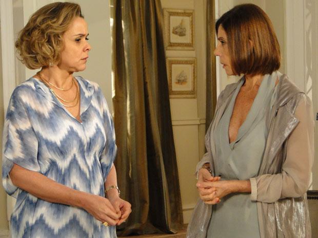 Stela e Bruna falam mal de Amanda