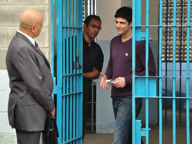Fred sai da prisão