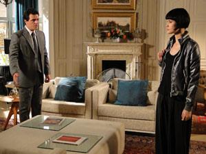 Mauro pede para Melina ficar