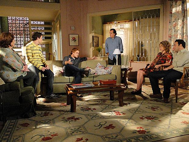 Totó reúne a família para decidirem onde vão ficar de vez
