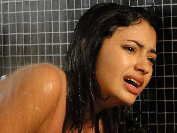 Gabi chora depois de abortar