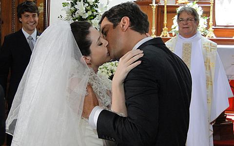 Gerson e Felícia se casaram. Veja os casais que ficaram juntos (Passione / TV Globo)