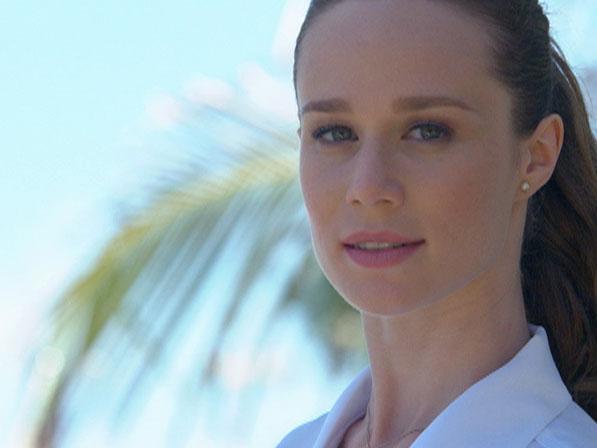 Clara vai parar em uma praia no Pacífico