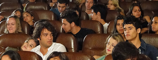 Angelo, Val, Luti e Camila no cinema