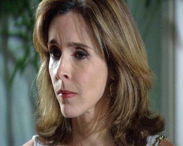 Eunice sente que algo aconteceu com Luciana
