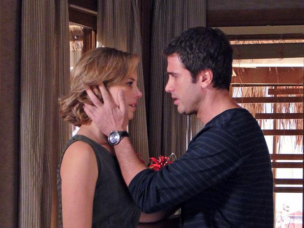 Pedro e Marina finalmente se veem livres um para o outro