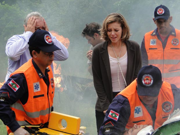 Marina acompanha o resgate, aflita