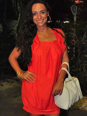 Suzana Pires, a Janaína, arrasou no vermelho