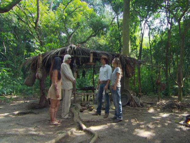 Solano e Manuela vão tirar satisfações com Estela e Ruriá sobre o atentado ao gaúcho