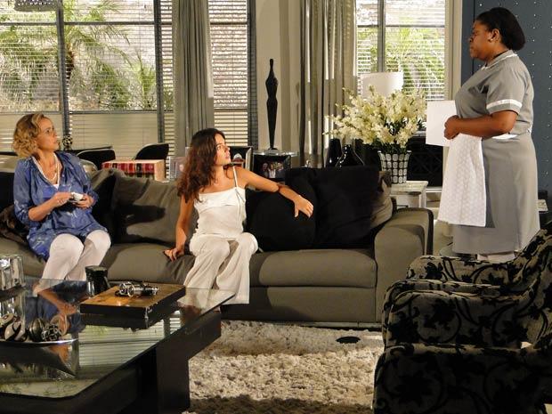 Fátima conta para Marcela que Luisa é a responsável pela doença de Paulinho