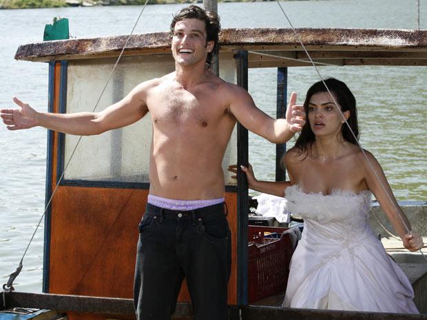 Antes da tempestade, Armandinho comemora o sequestro da amada