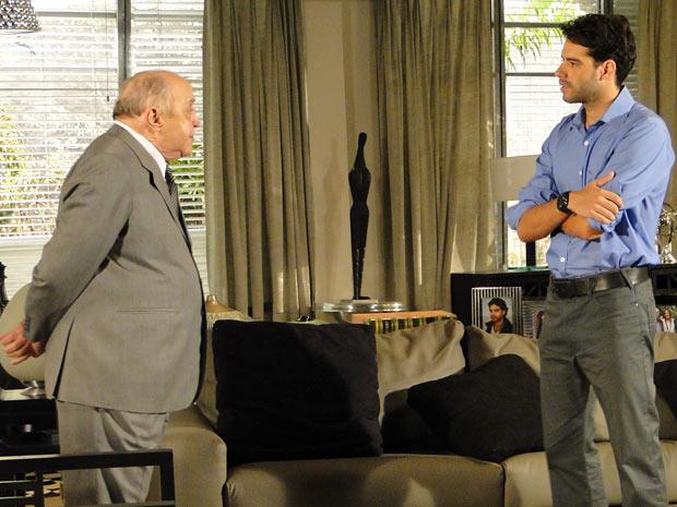 Giancarlo ameaça Renato a perder a herança