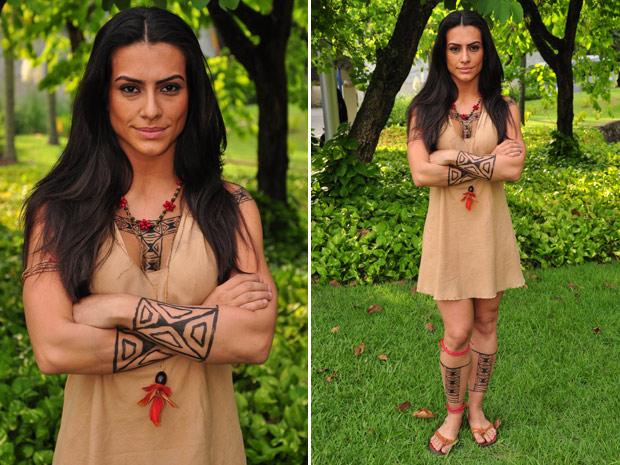 A atriz  adora as roupas usadas por Estela