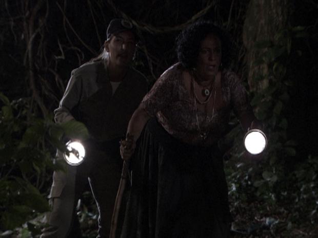 Glorinha e Terê descobrem o segredo de Neca