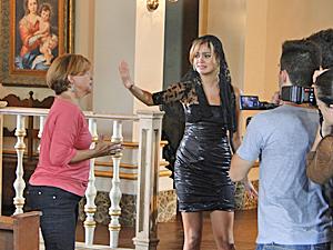 Nicole arma barraco para tentar desmascarar Stéfany