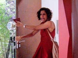 Carol (Camila Pitanga) se declara e André (Lázaro Ramos) dá o fora