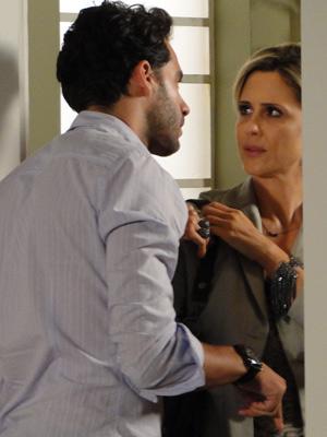 Renato expulsa Luisa