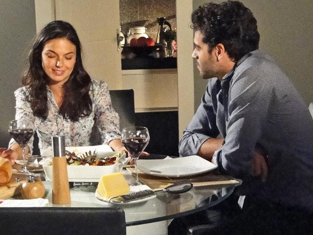 Marcela e Renato jantam juntos