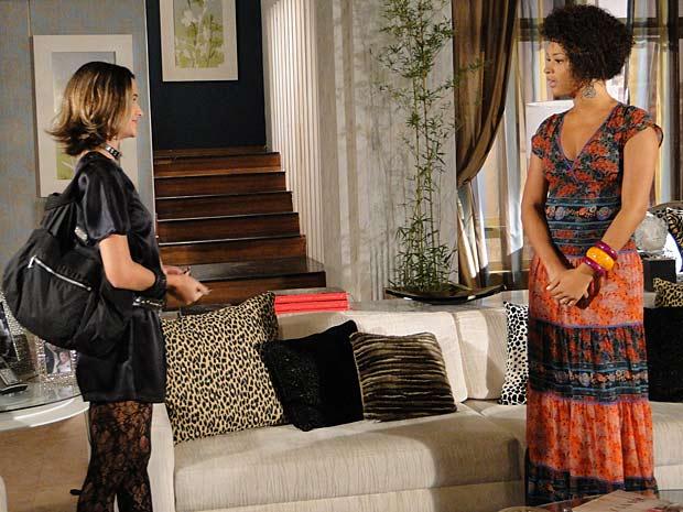 Clotilde dá ideia para Val ficar com Luti