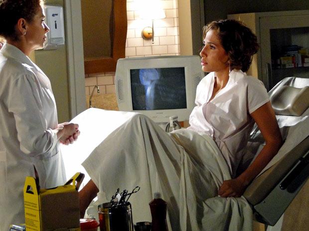 Carol descobre que está grávida