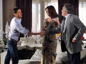 Bibi apresenta a Milton o corretor de imóveis: Douglas