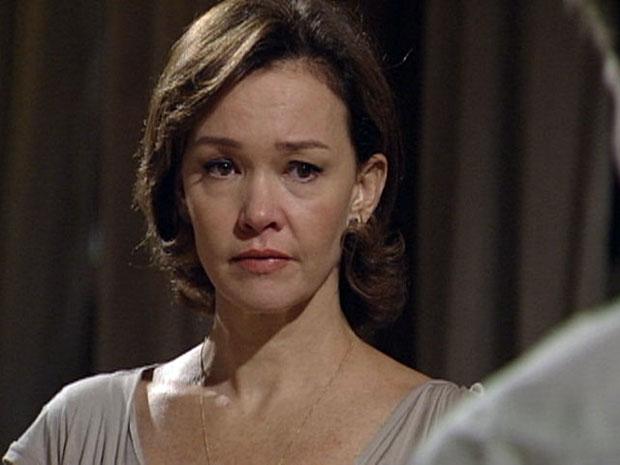 """Amélia grita para Vitor: """"Saia desta casa e não volte mais!"""""""