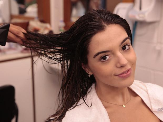 Giovanna adorou os cabelos mais lisos e loiros