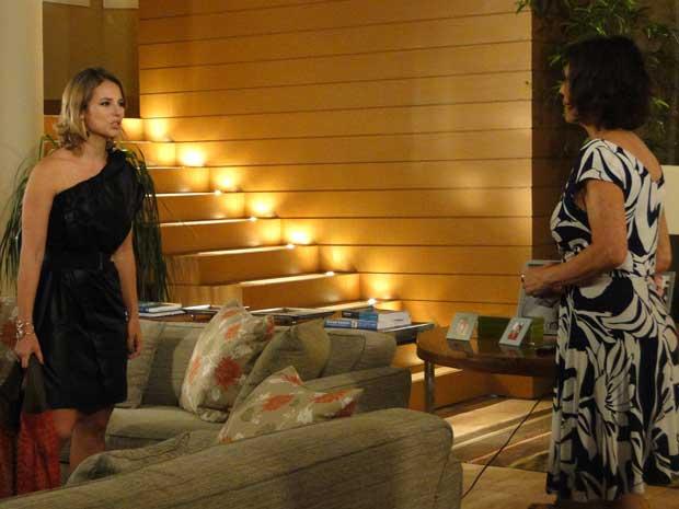 Marina tenta provar à Wanda seu amor por Pedro