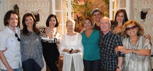 Maria Adelaide Amaral visita o estúdio de Ti-ti-ti e conversa com os atores (Ti-ti-ti/TV Globo)