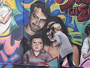 A empresária acaba com o retrato de Marcela, Renato e Paulinho
