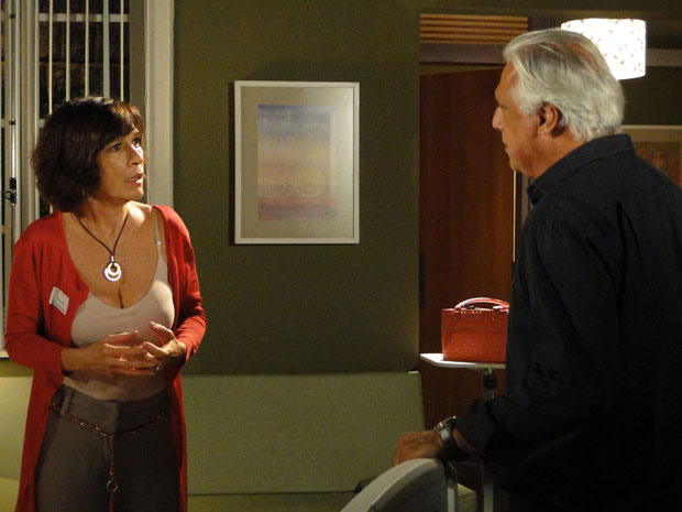 Raul diz que denunciou bingio de Afrânio e desespera Wanda, que teme por Léo